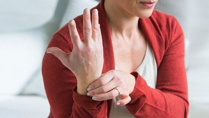 fájdalom az ujjak ízületeiben feszítés után