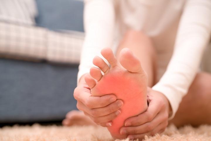 hogyan lehet enyhíteni a lábfej ízületét az ízület reuma kezelése
