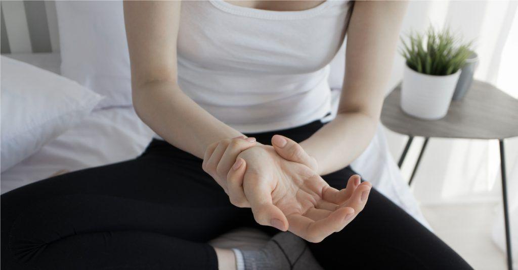a bokaízület hirtelen fájdalma a cukorbetegség ízületi fájdalmainak szövődményei