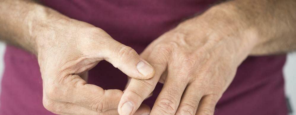 fájdalom a kézízületben, mint hogy kezeljék