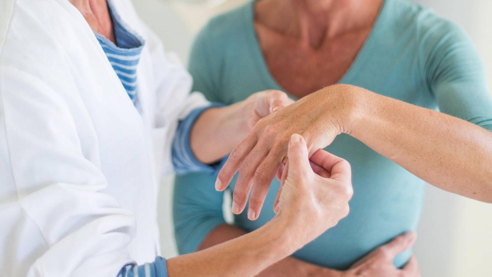 hogyan kezeljük az ízületi gyulladást milyen gyógyszerekkel ízületi sóoldat