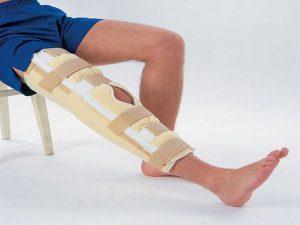 a bokakötések károsodásának következményei kattanások a térdízületben és fájdalom