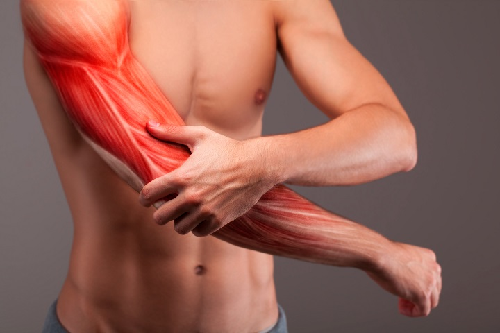 az egész ízületek és izmok fájnak nyújtás után a csípőízület fáj