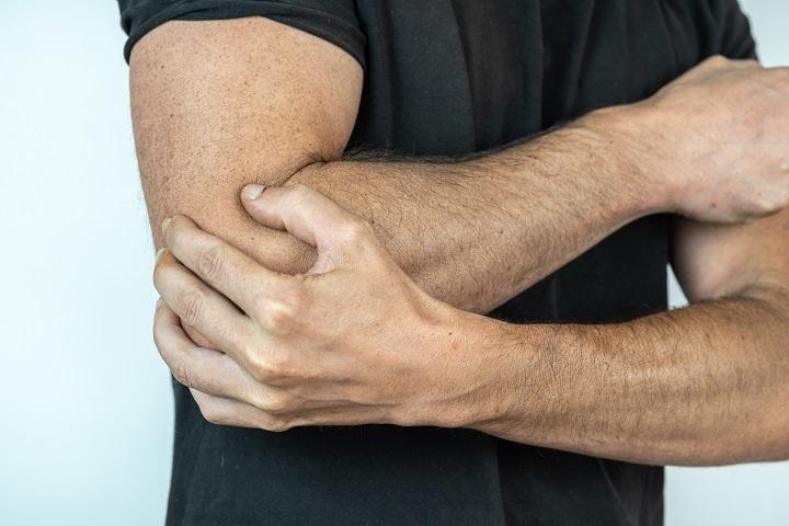 a nagy lábujj ízületének gyulladása okoz