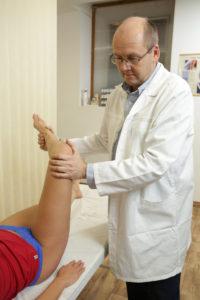 térd és a vállízület fáj ízületi fájdalom betegséget és kezelést okoz