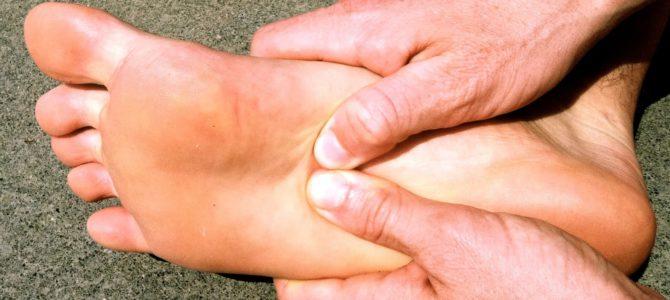 fáj a nagy lábujjak és a kezek ízületei