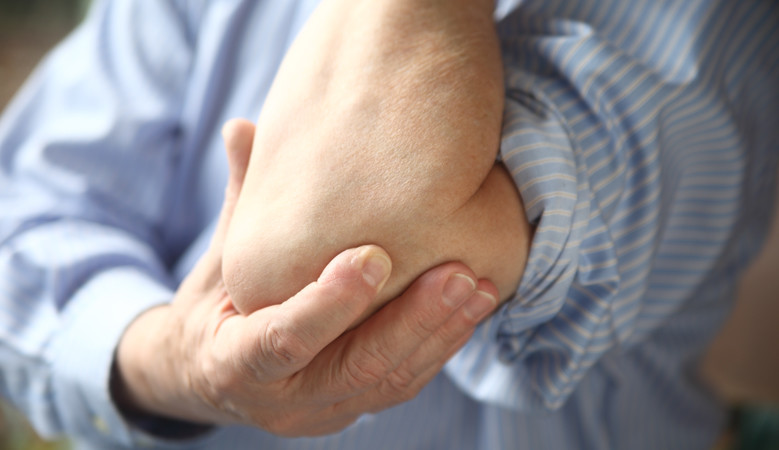 fájdalom a csukló és a könyök ízületeiben
