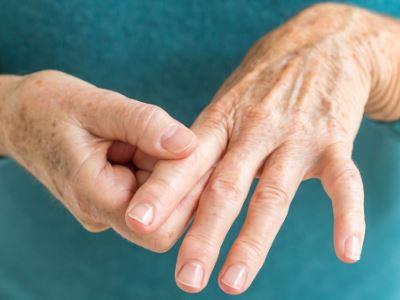 hogyan lehet kezelni az ujjak ízületi fájdalmait kondroitin kezelési rend